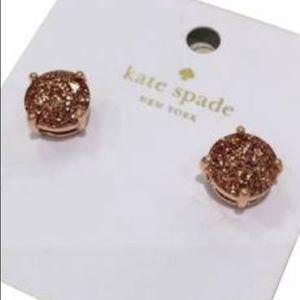 ♠️💋Gorgeous Kate Spade studs. NWT!